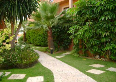 empresa de jardinería en Tarragona cuidado de jardines comunitarios