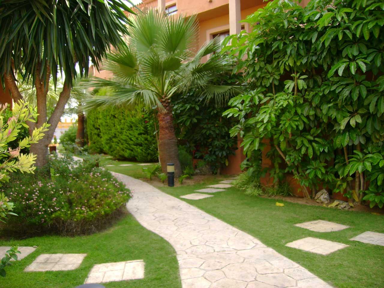 empresa de jardinería en Miami Platja y Mont-Roig cuidado de jardines comunitarios